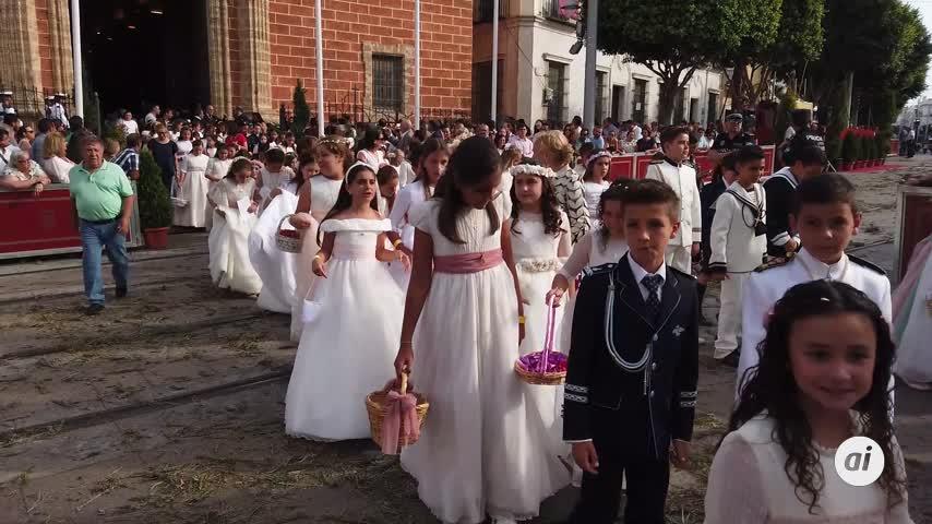 La salida completa de la procesión del Corpus Christi en vídeo