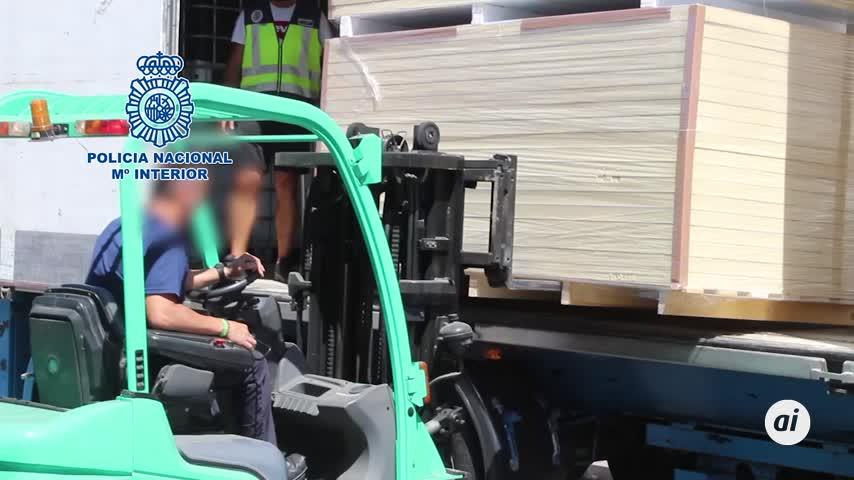 Interceptan en Málaga un camión con más de 1.000 kilos de hachís
