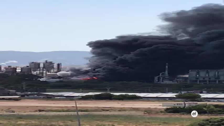 Reabre la planta de Indorama en San Roque tras extinguirse el incendio