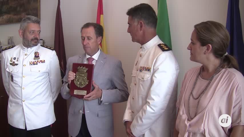 El alcalde se despide del comandante del Tercio Sur Fernando del Olmo