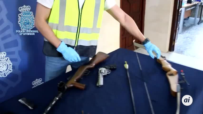 """Detenido por amenazar a su mujer con una """"ametralladora"""" en San Juan"""