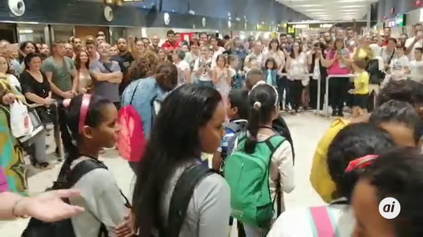 Llegan a Sevilla 137 niños saharauis del programa Vacaciones en Paz