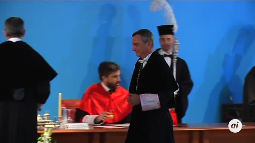 Francisco Piniella es investido rector de la UCA