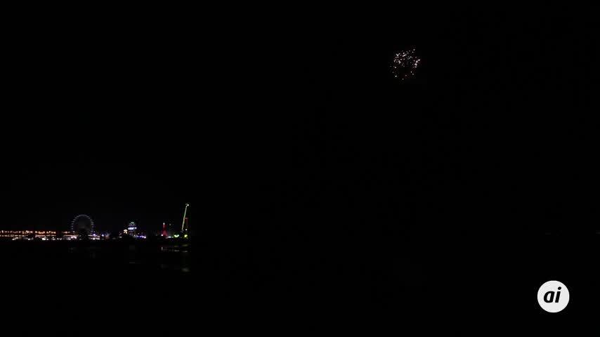 Dieciséis minutos de fuegos artificiales ponen el broche a la Feria