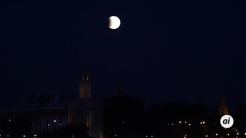 Sevilla también fue testigo del eclipse lunar parcial