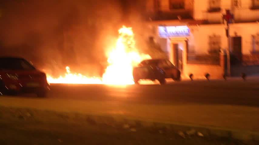 Cuatro coches afectados por un incendio en Málaga