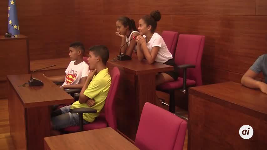 26 niños saharauis disfrutan en Chiclana de 'Vacaciones en paz'