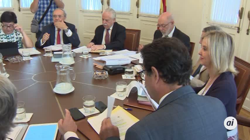 Fiscalía pide imputar a Aguirre y Cifuentes por financiación ilegal PP
