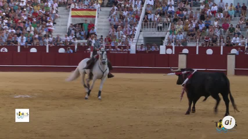 Dos orejas para Romero y una para un revolucionario Ventura en Málaga