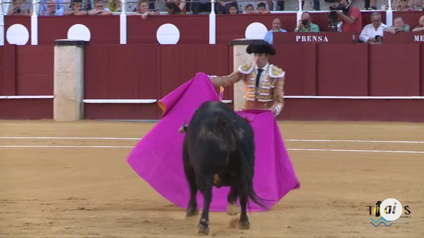 Orejas de distinto peso para David de Miranda y López Simón en Málaga