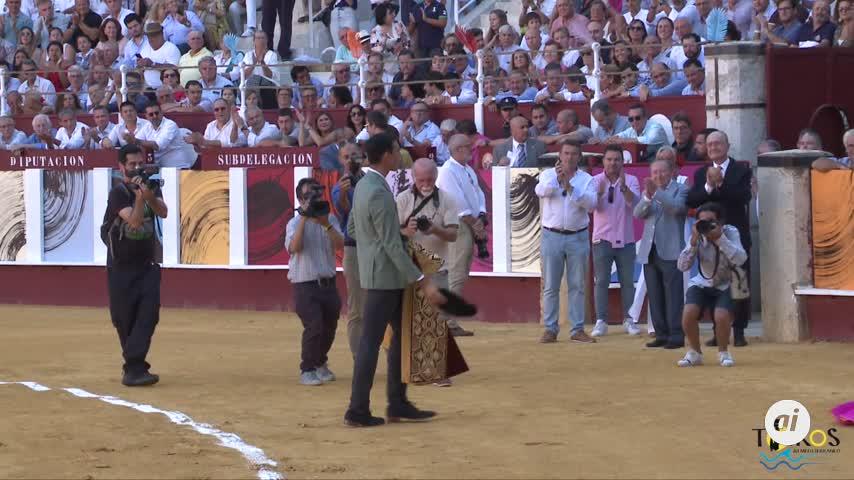 """Manzanares encandila a Málaga y corta una oreja en la """"picassiana"""""""