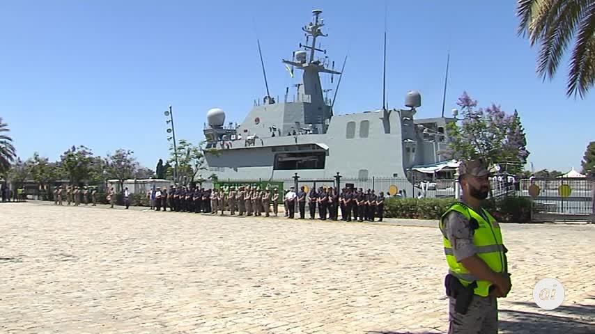 Un buque de la Armada Española recogerá a los migrantes del Open Arms