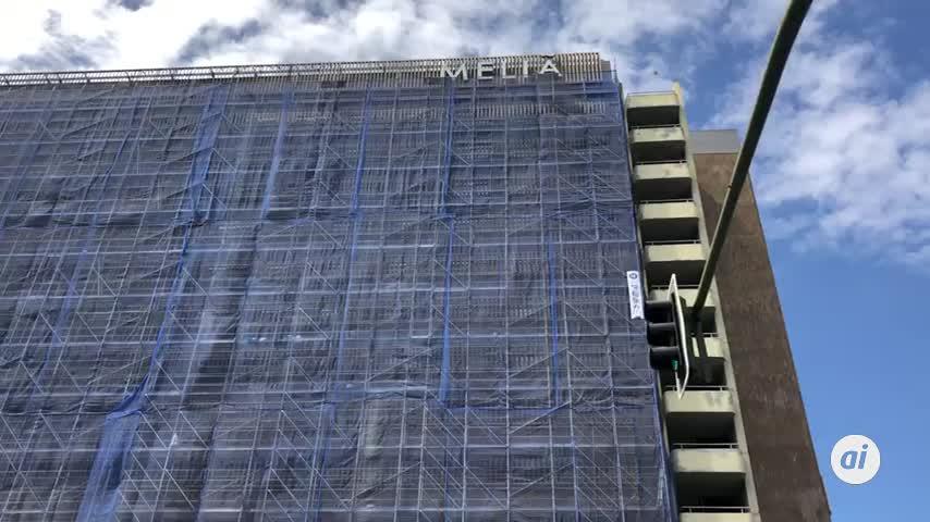 Se desploma el andamio de las obras en el Hotel Los Lebreros
