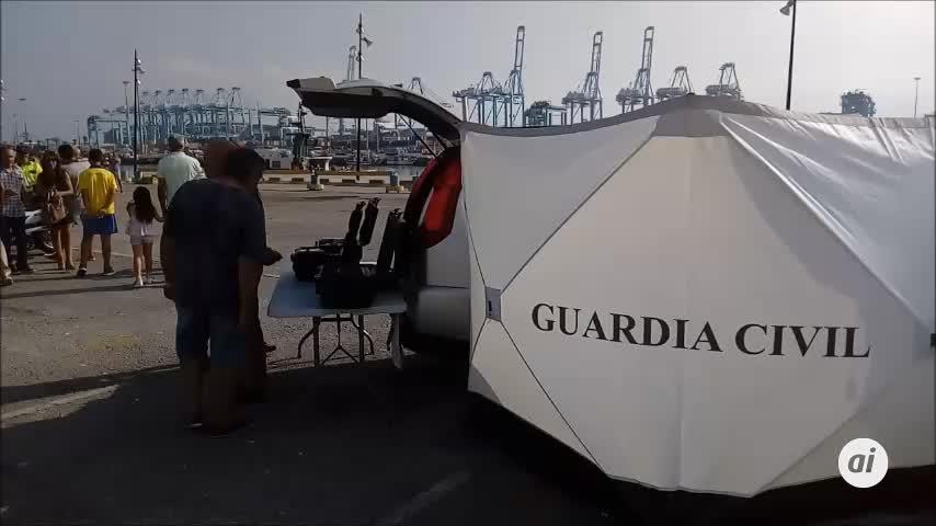 La exhibición de la Guardia Civil en Algeciras, sin el 'Río Miño'