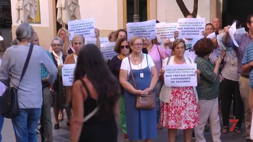 Los vecinos de La Barca protestan por el servicio de limpieza