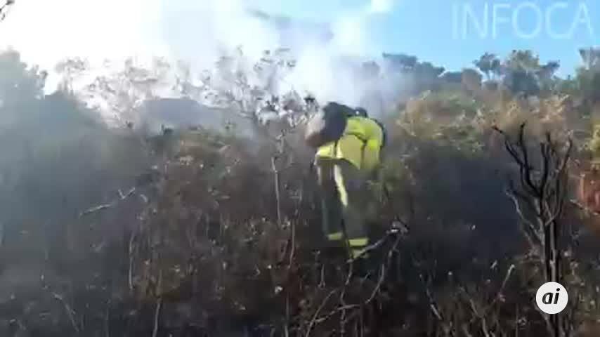 Controlado el incendio forestal del Tajo de las Escobas, en Tarifa