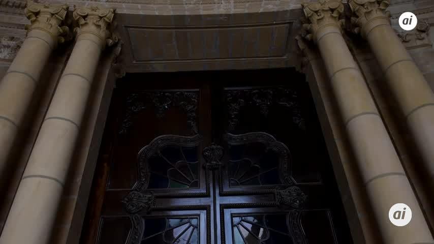 El Día Nacional de España se celebra con visitas al Panteón de Marinos