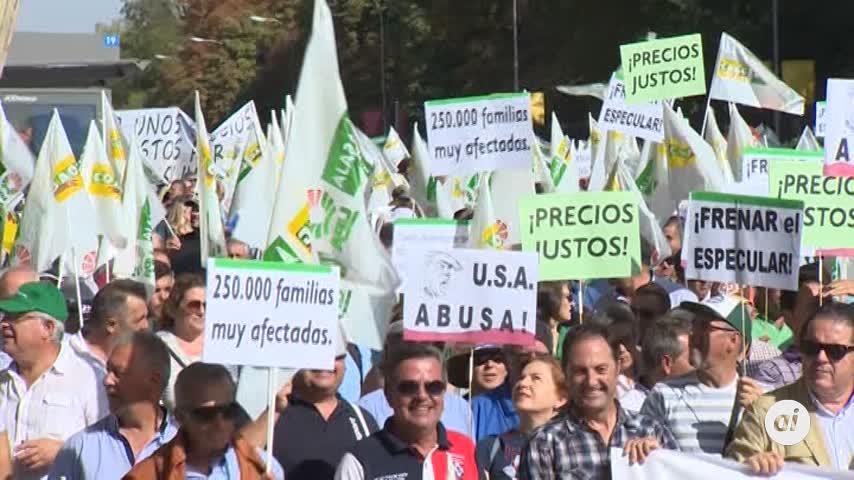 """Olivareros piden en Madrid que """"no se juegue"""" con los precios"""