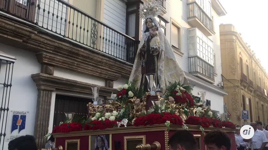 La Virgen del Carmen sin bendición y sin incienso que sale sin permiso