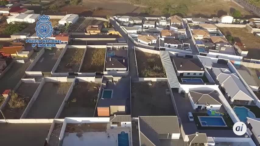 Nueve detenidos en La Línea por chalés de lujo ilegales en el Zabal
