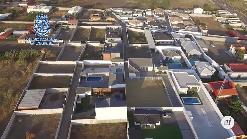 Detienen a 21 personas en La Línea por viviendas ilegales de lujo