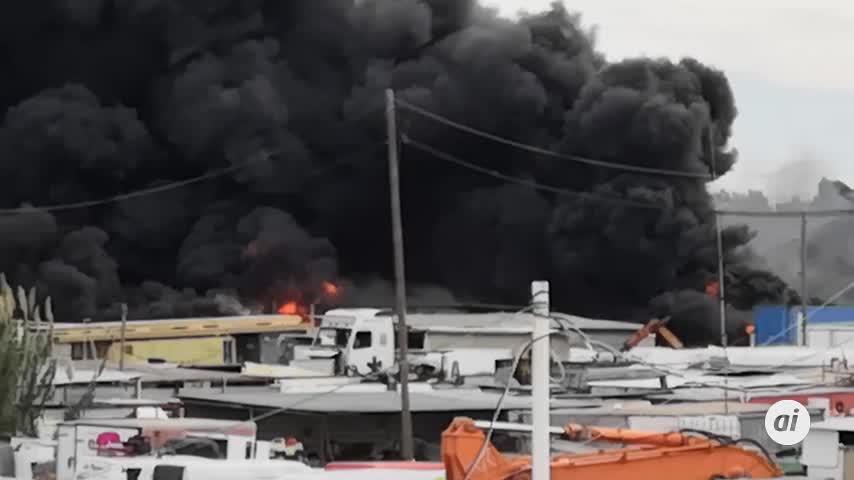 El incendio en el Polígono Guadalhorce que ha alertado a toda Málaga