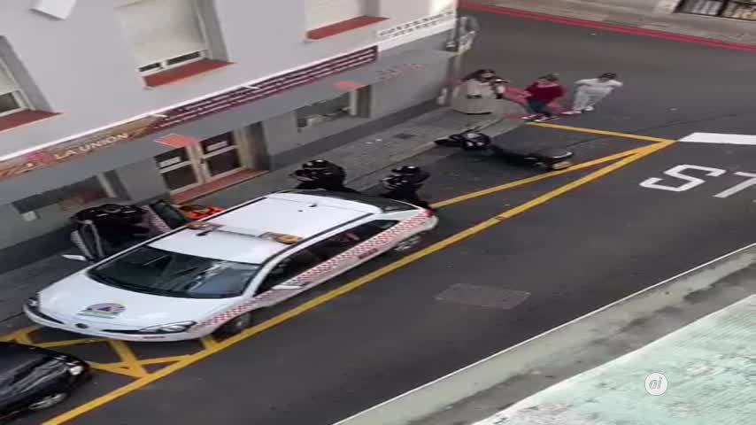 Protesta de Picardo tras la incursión de un coche de Protección Civil