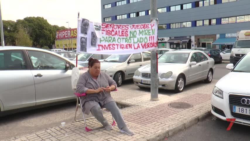 """""""Mi hijo no ha matado ni violado a nadie y está desterrado de Jerez"""""""