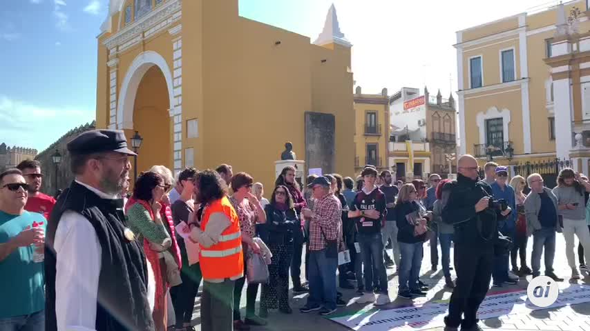Vuelven a exigir la retirada de los restos de Queipo de la Macarena