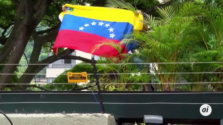 Leopoldo López cumple seis meses en la Embajada española en Venezuela