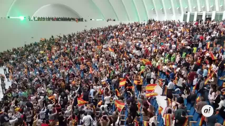 """Santiago Abascal acusa al PSOE de sacar """"viejos odios"""""""