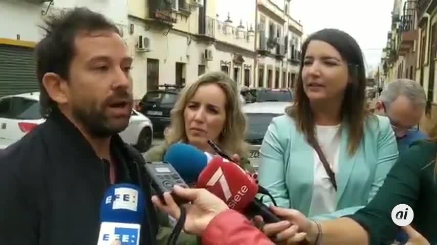 """Vecinos de la Macarena denuncian la """"cobardía"""" de Vox con su acto"""