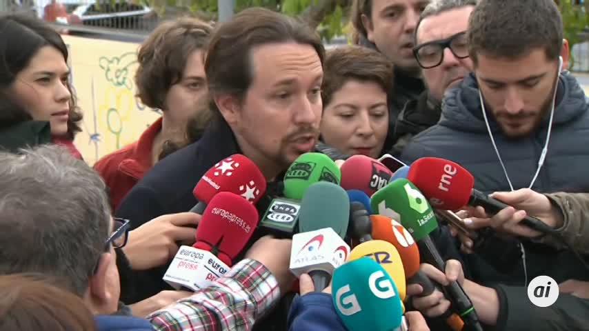 """Iglesias, tras votar: """"Vamos a tender la mano al PSOE"""""""
