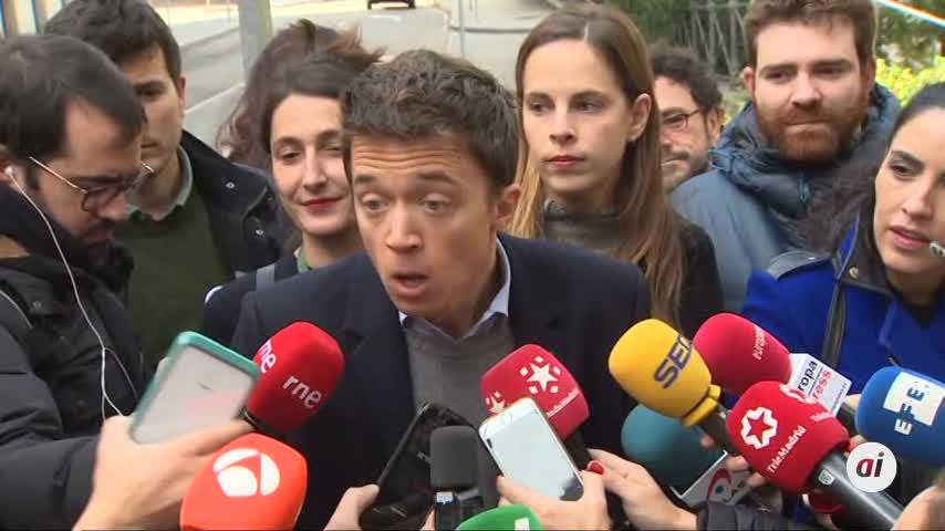 """Errejón anima a votar para """"cuidar la democracia en cada colegio"""""""