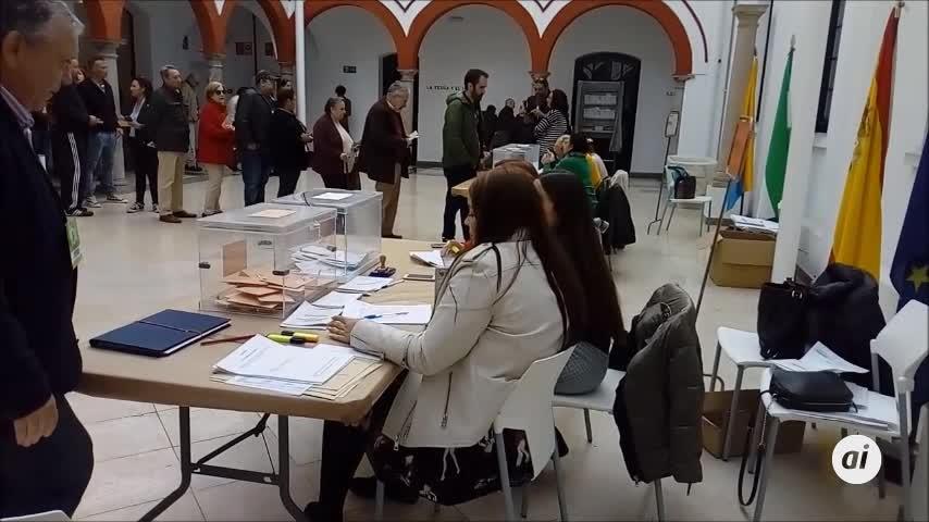 La jornada electoral arranca con normalidad en Algeciras