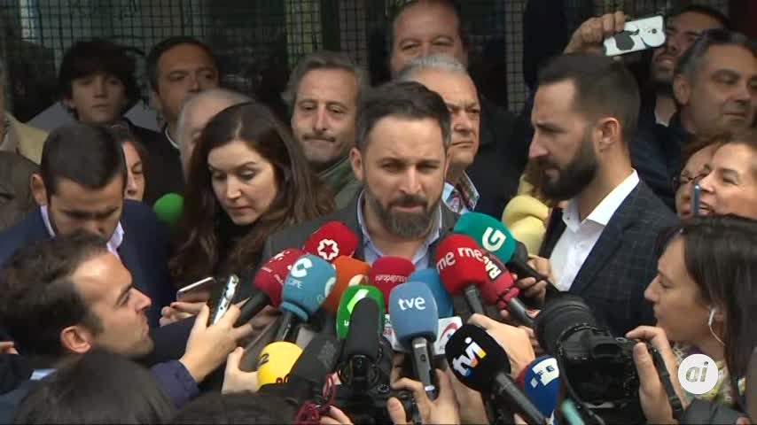"""Santiago Abascal pide """"resolver las diferencias"""""""