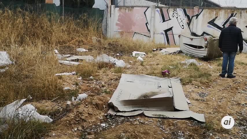 """Ciudadanos alerta del """"estado de degradación"""" del Polígono Store"""