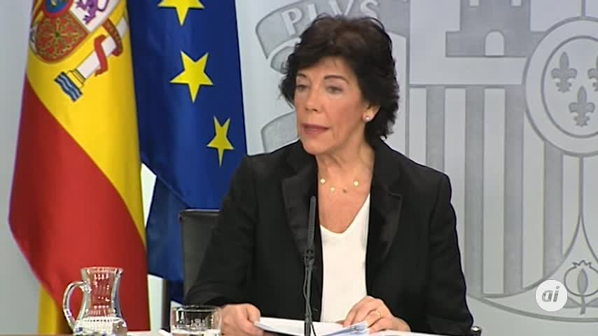 El Gobierno insta al diálogo en Cataluña dentro de la Constitución
