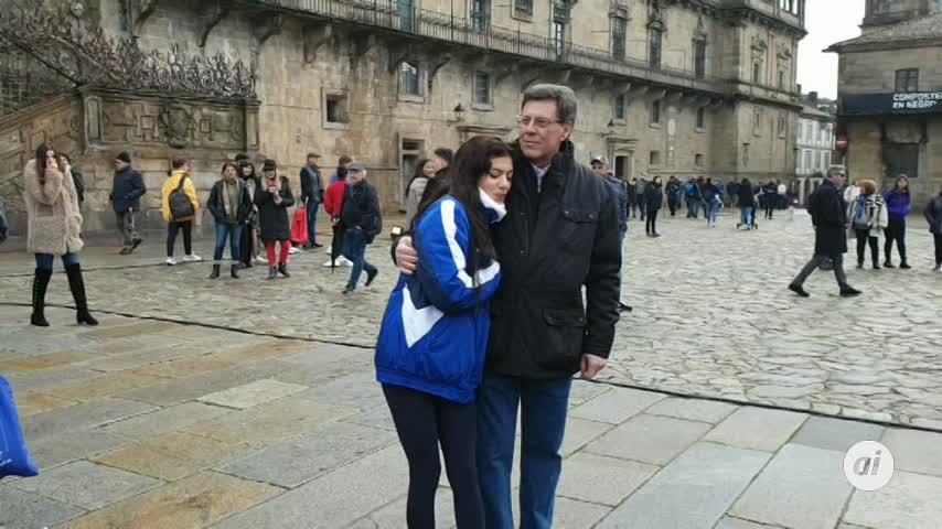 Santiago arropa a Juan Carlos y Valeria Quer en un minuto de silencio