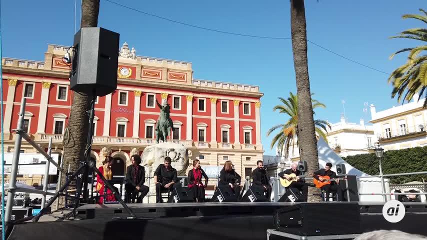 San Fernando celebra el Día Mundial del Flamenco en la plaza del Rey