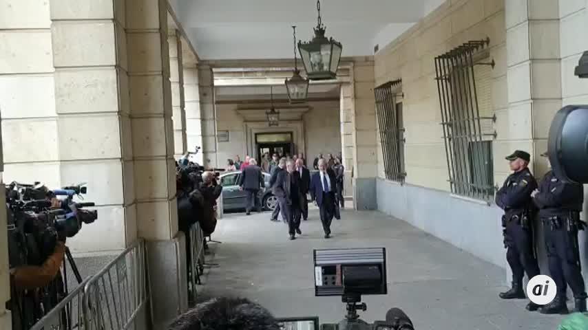 Caso ERE:  Chaves y Griñán llegan a la Audiencia de Sevilla