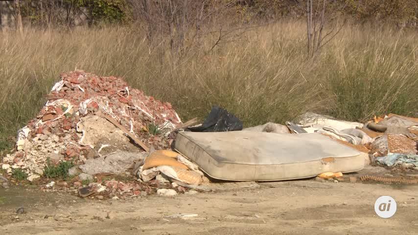 Hallan a mujer muerta hace meses en un descampado en Madrid