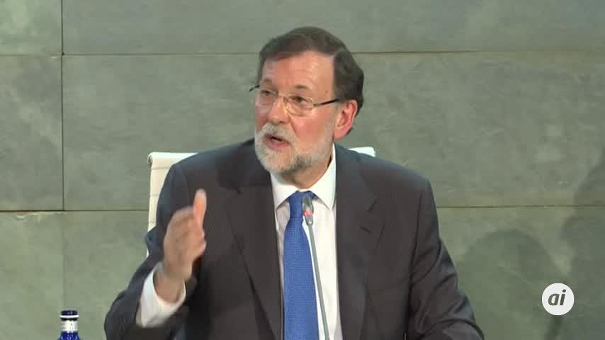 """Rajoy avisa a Sánchez que será un """"irresponsable"""" si rompe consensos"""