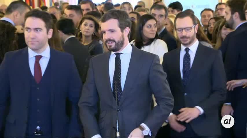 """Casado acusa a Sánchez de ir """"contra la Constitución"""""""