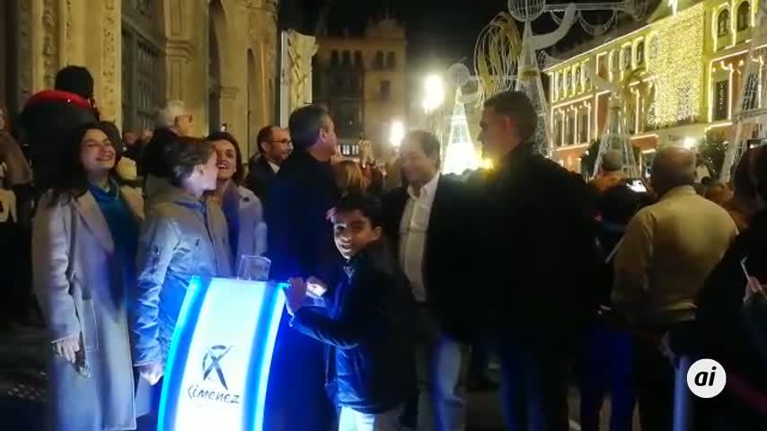 Sevilla estrena su espectáculo de Navidad al son de Adeste Fideles