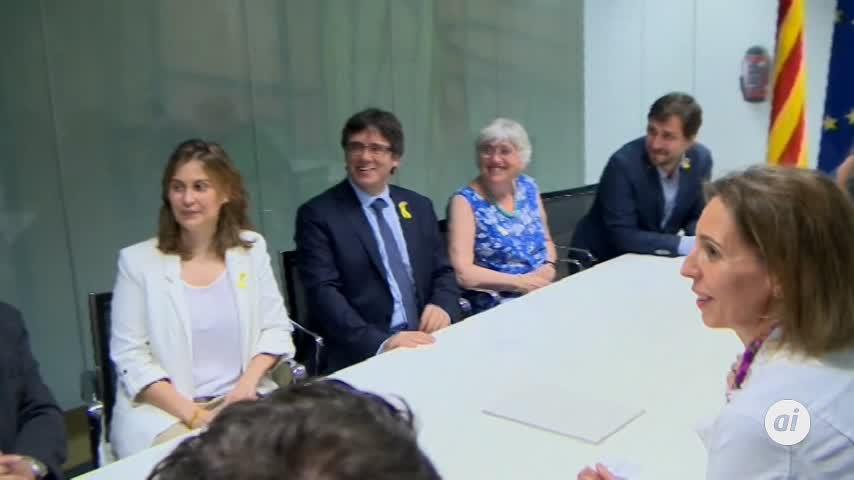 La defensa de Puigdemont pide que desactiven las órdenes de detención