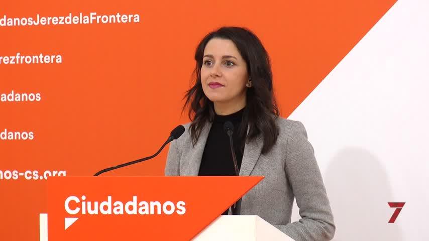 Arrimadas apela a barones del PSOE para frenar la