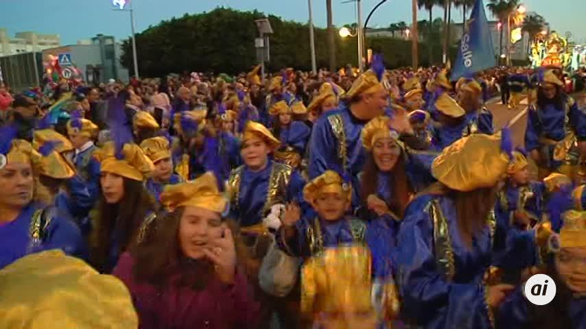 Los Reyes Magos recorren las calles de Cádiz en la Cabalgata