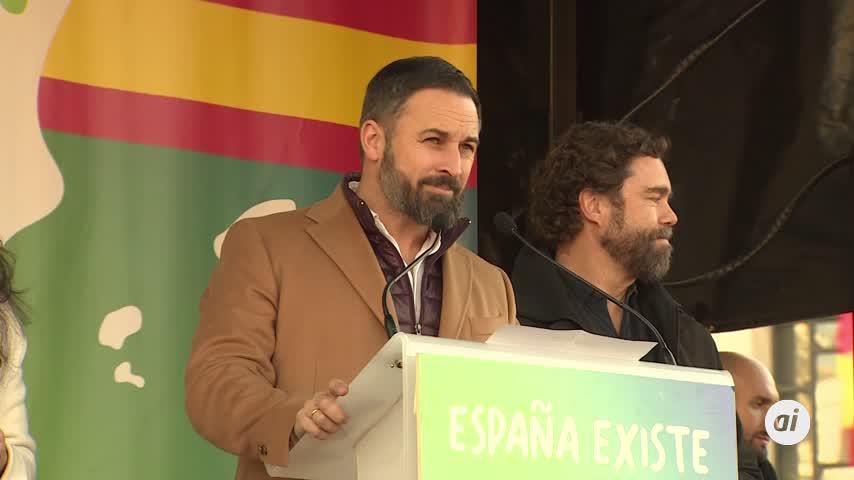 """Abascal exige a Sánchez que """"traiga detenido al golpista Puigdemont"""""""