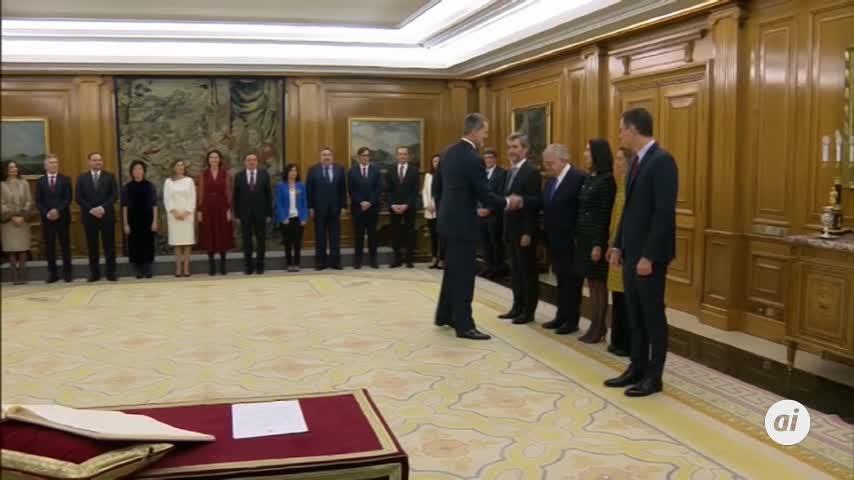 Los ministros prometen sus cargos ante el Rey